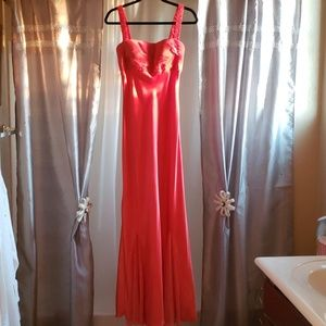 MORGAN & CO. prom dress